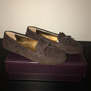 Available!! Vince Camuto flats